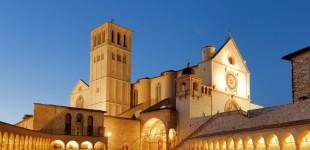 Assisi - Basilica di San Francesco di sera