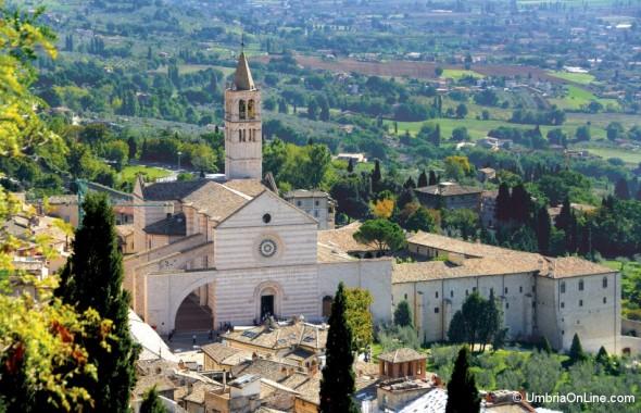 La Basilica di Santa Chiara ad Assisi