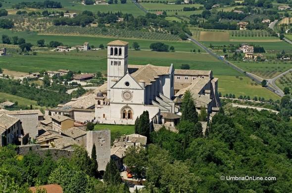 Vista della Basilica di San Francesco ad Assisi