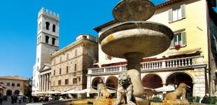 Assisi - Piazza del Comune