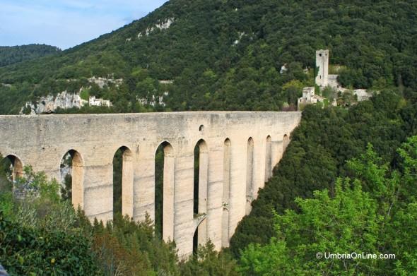 Il Ponte delle Torri vicino a Spoleto