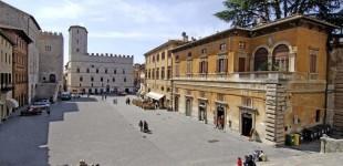 Todi - Palazzo dei Priori e Piazza del Popolo