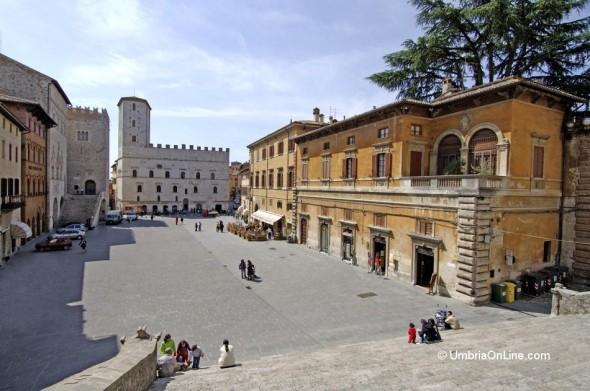 Piazza del Popolo nel centro di Todi