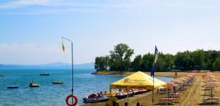 Tuoro sul Trasimeno - Spiaggia con stabilimento balneare